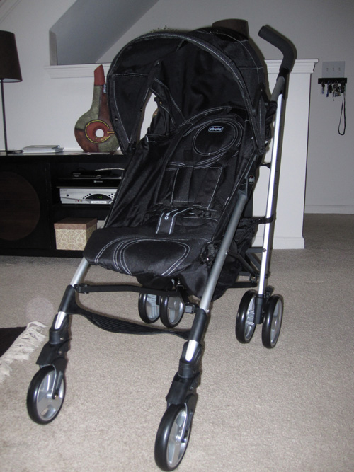 Strolling around in a Chicco Liteway stroller review and giveaway