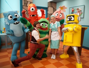Tom Lennon/Busy Phillips guest star in Yo Gabba Gabba! on Nickelodeon